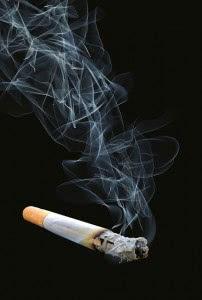 タバコは血管を収縮させる働きがあるので、健康な人でもEDになってしまう可能性がある
