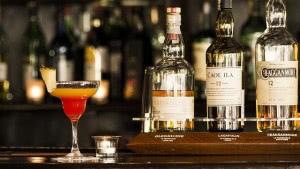 お酒と上手に付き合うには、飲みすぎないことが重要である
