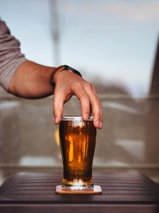 お酒を飲むときは適量を心がけよう!